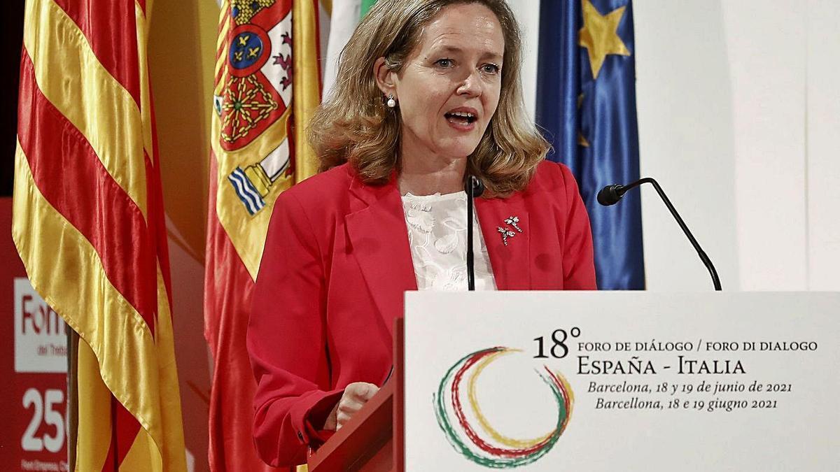 La vicepresidenta segona del Govern espanyol, Nadia Calviño.  | ANDREU DALMAU