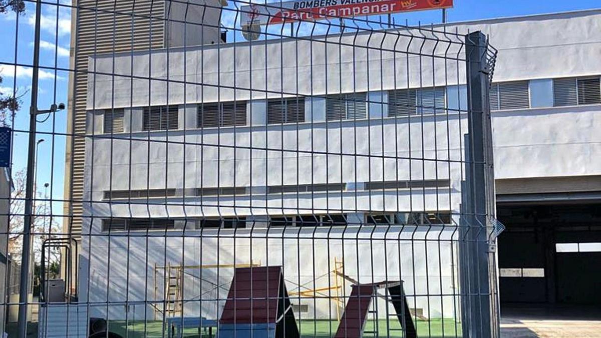 Vista general del parque de bomberos de Campanar tras su rehabilitación. | LEVANTE-EMV