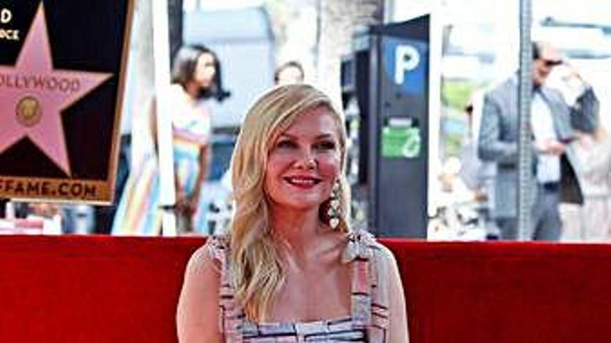 La actriz Kirsten Dunst ya cuenta con su estrella en el Paseo de la Fama de Hollywood