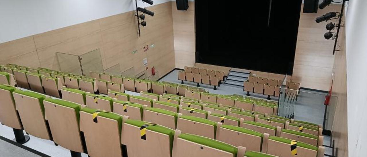 El salón de actos de la nueva casa de la cultura de Mogán tiene capacidad para 180 personas
