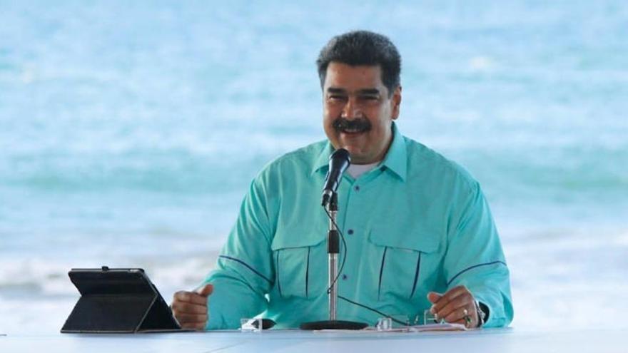 Maduro anuncia que tiene un medicamento que suprime los efectos del coronavirus