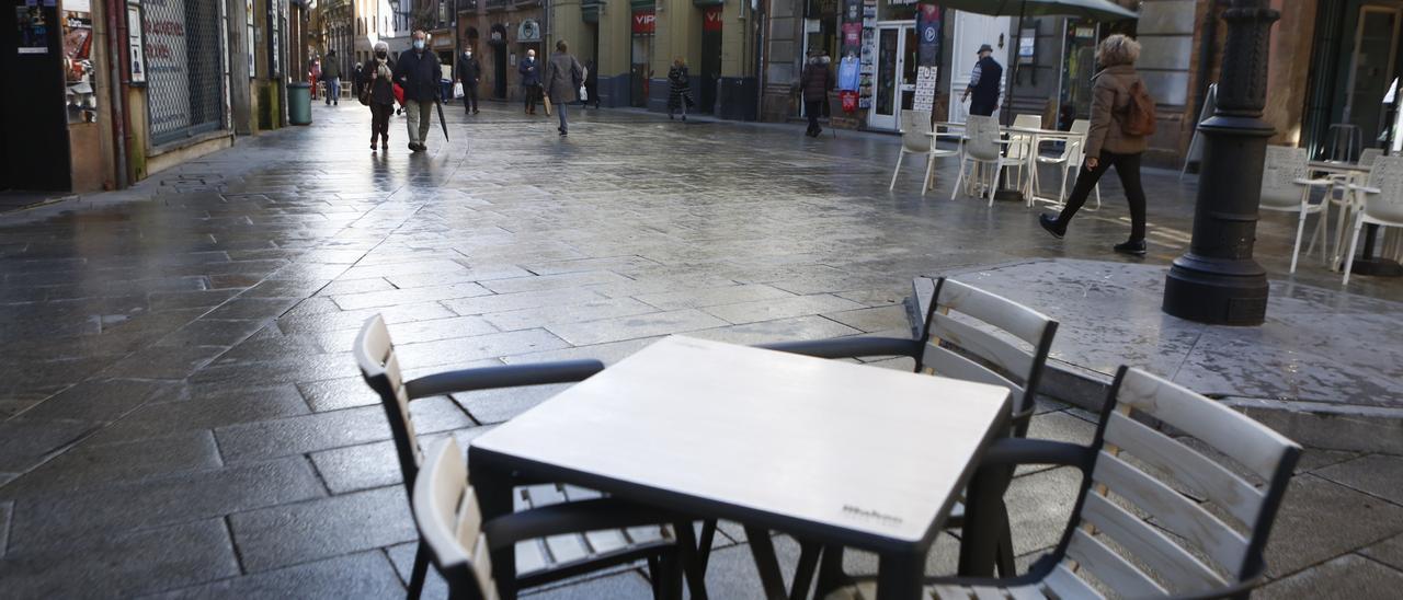 Una terraza de Oviedo | JULIÁN RUS
