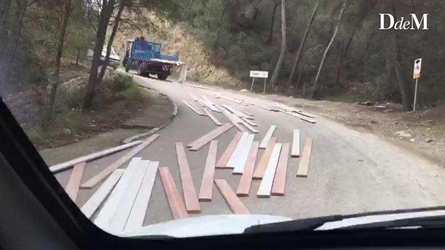 Hier brettert die Ladung zurück ins Tal