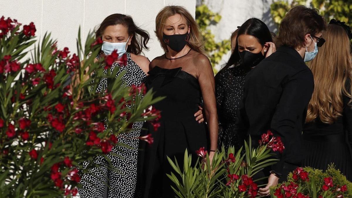 Ana Obregón, en el funeral de Aless Lecquio