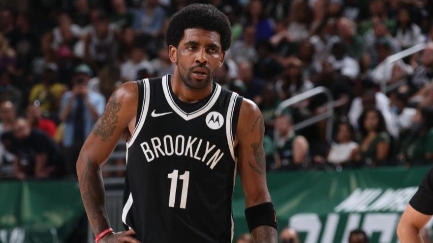 Los Nets apartan a Irving del equipo hasta que se vacune