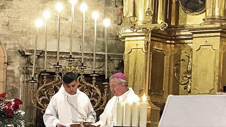 El obispo reivindica en Petra a Junípero Serra y la presencia social de la religión