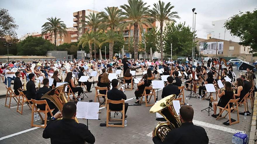 La Jove Banda Simfònica de la FSMCV torna a l'activitat amb els concerts de Navajas, Muro i Sant Joan d'Alacant