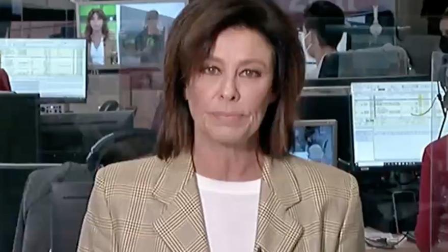 Los gestos en directo de esta presentadora de informativos que sorprendieron a los espectadores y que se ha viralizado en redes sociales