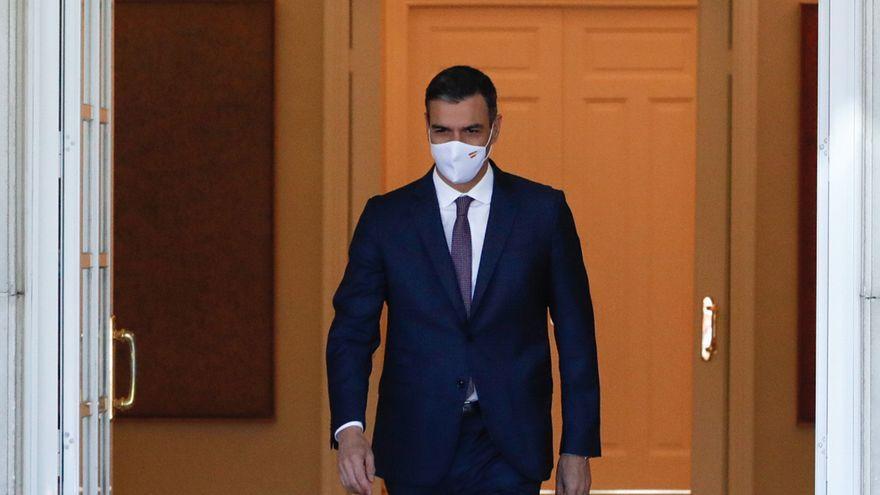 """Sánchez confirma la subida """"inmediata"""" del salario mínimo y acusa al PP de falta de """"lealtad"""""""