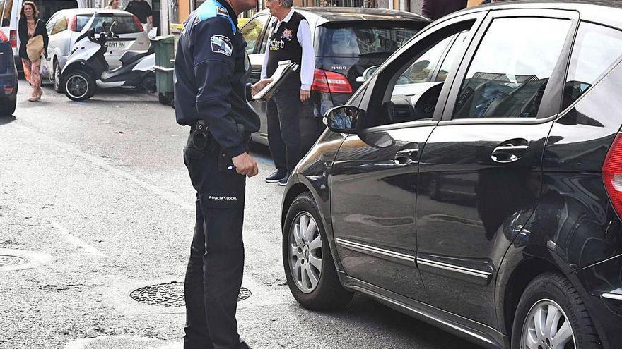 Las multas de tráfico cayeron un 20% en 2019 por el descenso de las de la ORA y la Marina