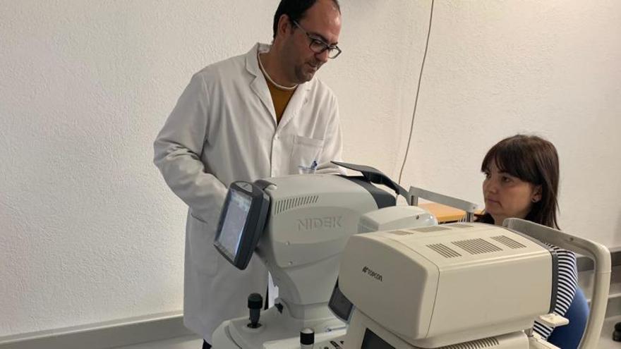 Campdevànol incorpora equipament per al control de patologies oculars