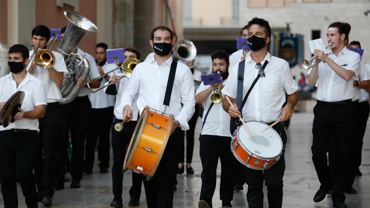 Búscate en el primer día de Ofrenda por las calles del Mar y Avellanas entre las 20:00 y 21:00 horas