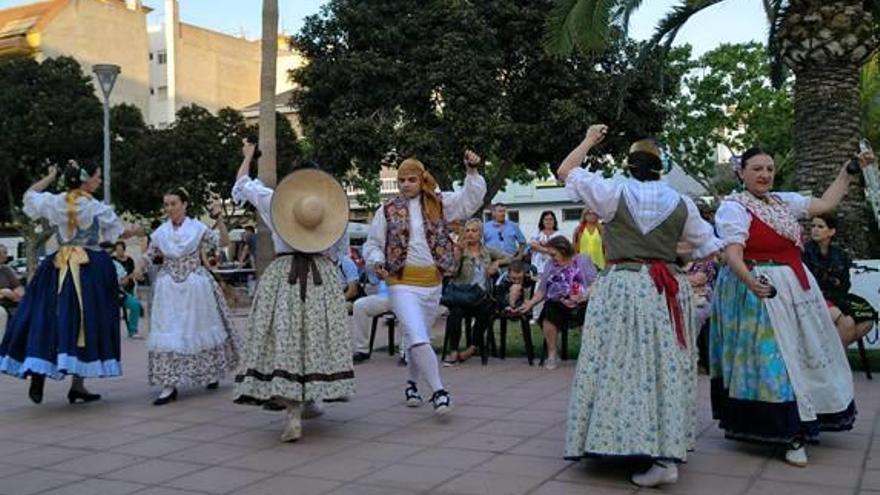«Dances», «correfoc» y música en la semana cultural de La Forja