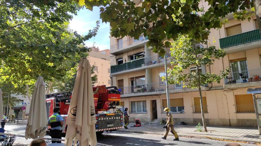 Un foc torna a cremar el mateix pis de l'avinguda Perpinyà de Figueres que a 2018