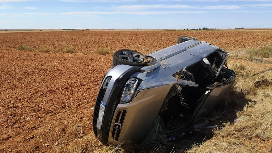Muere un hombre en Villarrín al salirse de la vía el vehículo en el que viajaba