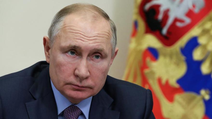 Putin promulga la extensión del último tratado de desarme nuclear con EEUU
