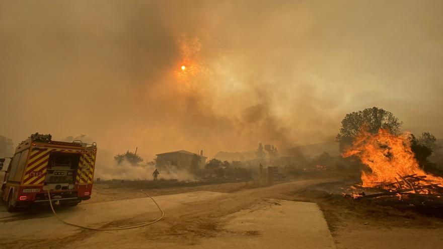 Incendio en Navalacruz (Ávila): cuatro pueblos evacuados y más de 5.000 hectáreas calcinadas
