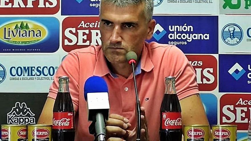Vicente Parras pide a la Federación que no castigue al Alcoyano más con los horarios
