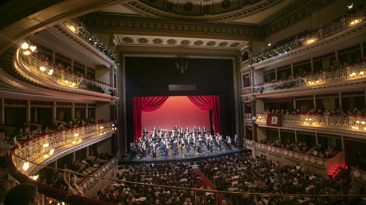 Concierto de año nuevo en el teatro Campoamor