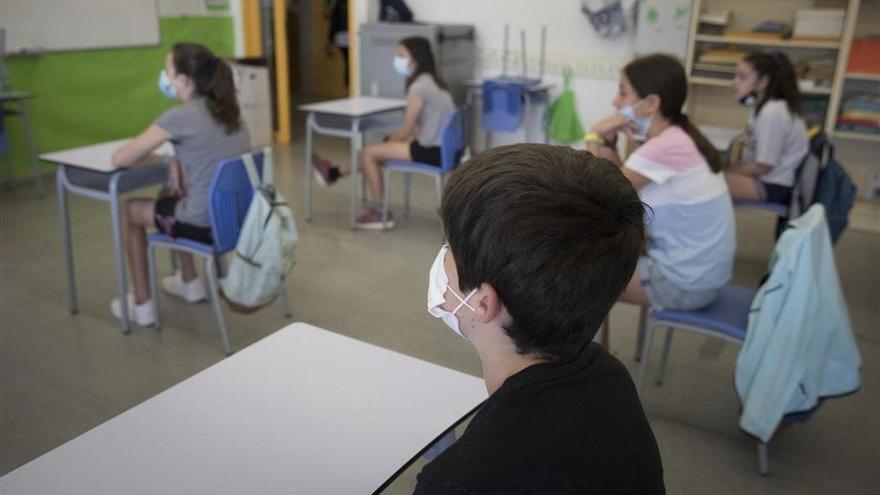 435 positivos en coronavirus entre el alumnado de Canarias y 102 profesores contagiados
