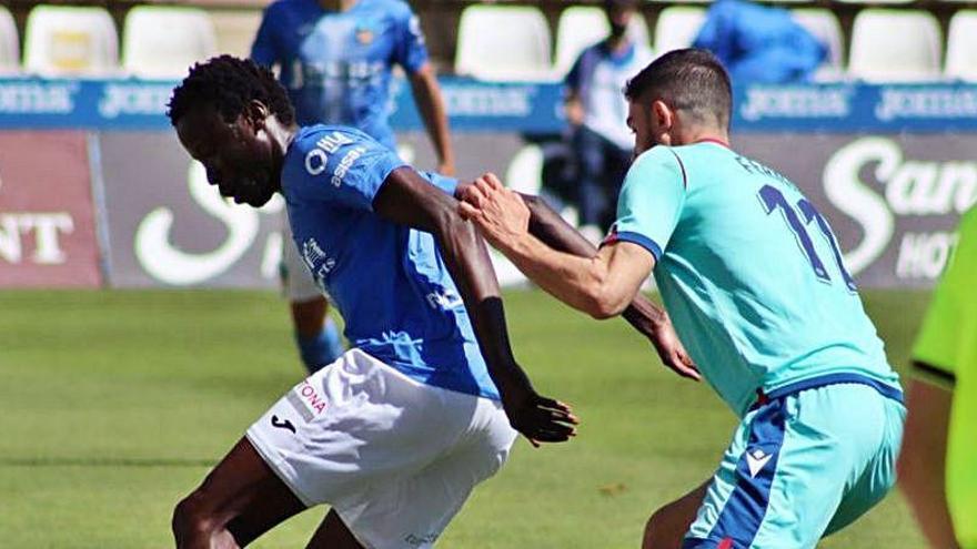 El Atlético Levante resiste ante el Lleida