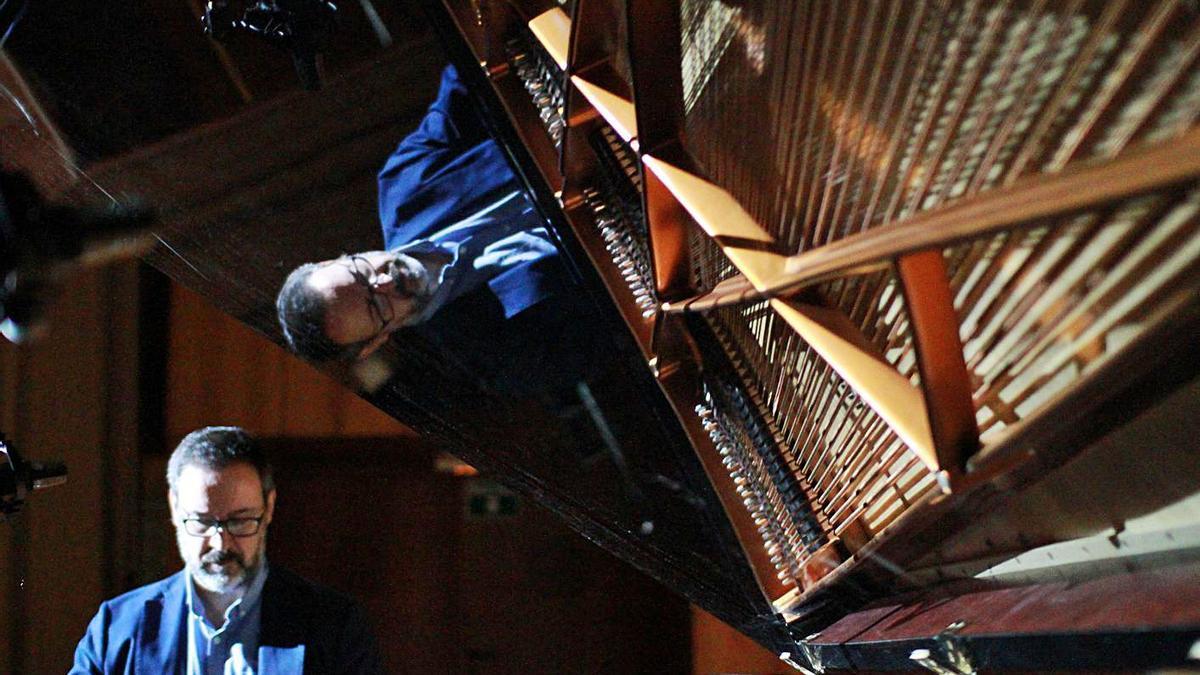 Alberto Vilas, uno de los profesores que celebra el Día Mundial del Piano.     // FDV