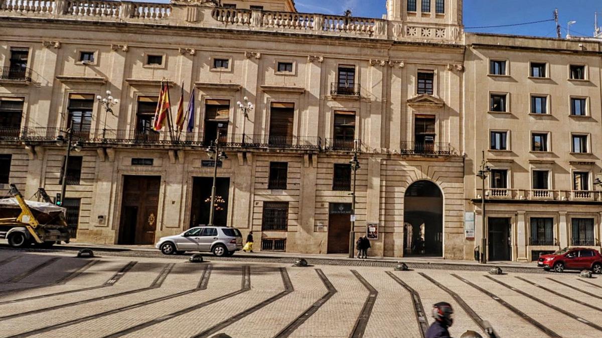 Fachada del Ayuntamiento de Alcoy.