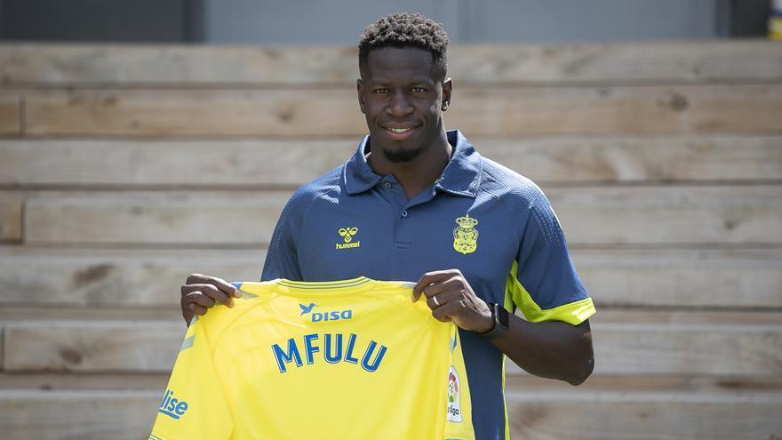 La UD desencalla los términos del fichaje de Mfulu y el jugador firma hasta 2023