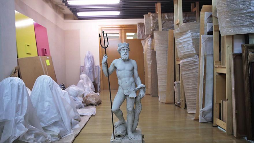 El Ayuntamiento arreglará la estatua de Neptuno antes de instalarla en el Campo