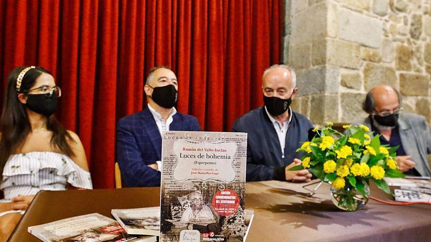 """Presentan el libro del centenario de """"Luces de bohemia"""""""