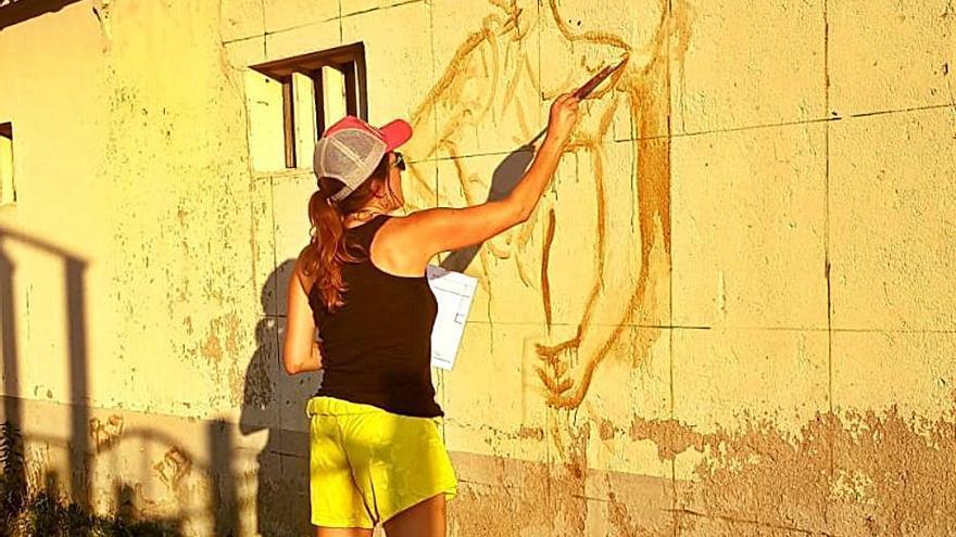 Olvan fa un mural per defensar la llibertat d'oci al marge del sexe