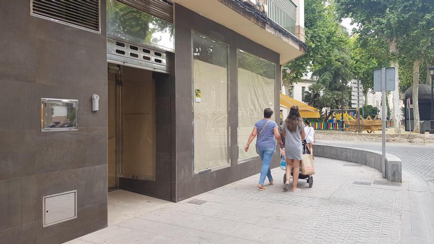 El Ayuntamiento de Lucena destina 8.000 euros para eliminar barreras en los comercios