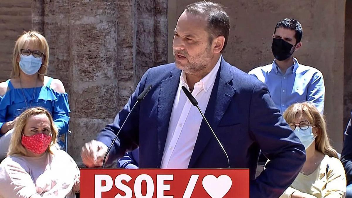 El ministre de Transports, José Luis Ábalos, durant un acte del PSOE a València | EUROPA PRESS