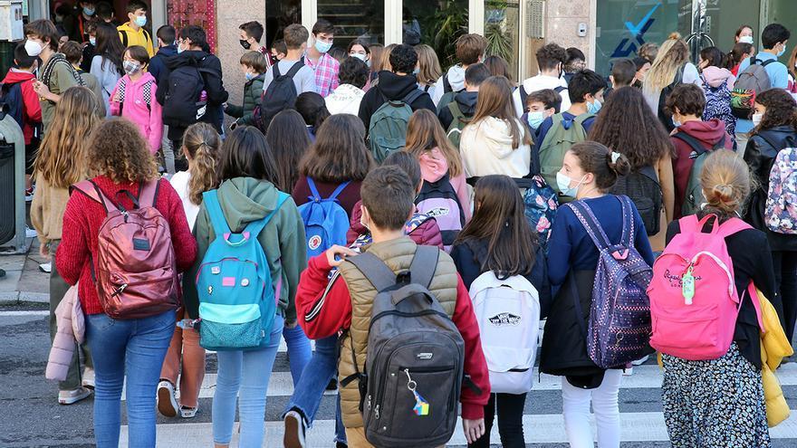 La Xunta dará mascarillas gratis a los alumnos que más lo necesiten