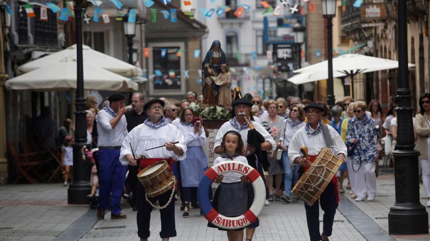 Sabugo festeja Santa Ana sin procesión, pero con misa y gaita en El Carbayo