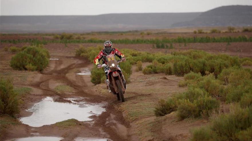 Barreda gana la etapa del Dakar pero podría haberse roto la rodilla