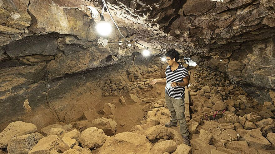 Localizan un asentamiento aborigen en el exterior de la cueva de Villaverde