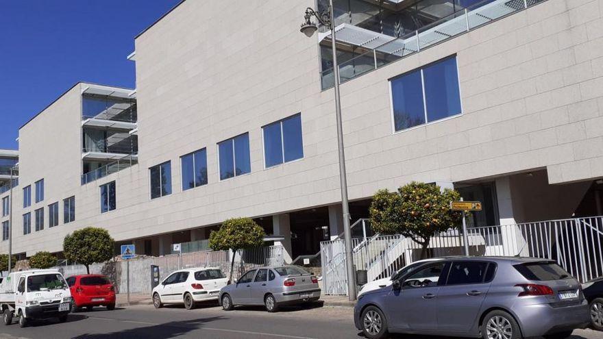 La Junta trasladará 70 empleados de varias consejerías a las oficinas de la calle Adriano