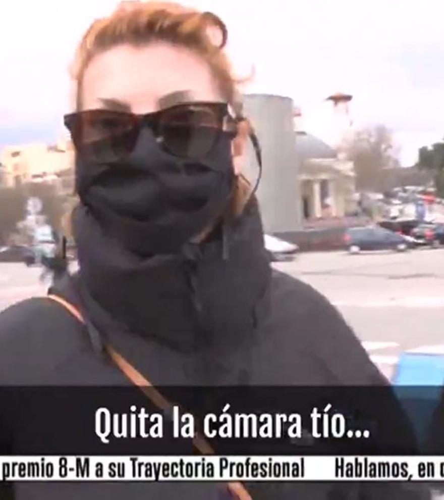 Tenso encontronazo de Najwa Nimri con la prensa: agrede a un cámara tras regresar de los Goya