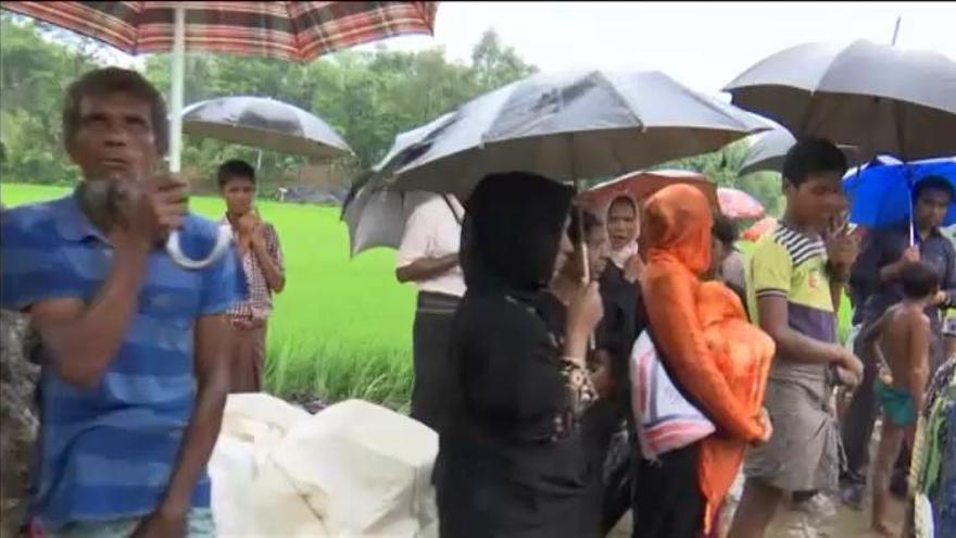 Así es la huida desesperada de los rohingyas de Birmania