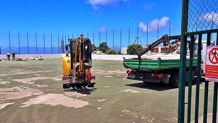 Firgas repara la cancha polideportiva de La Cruz