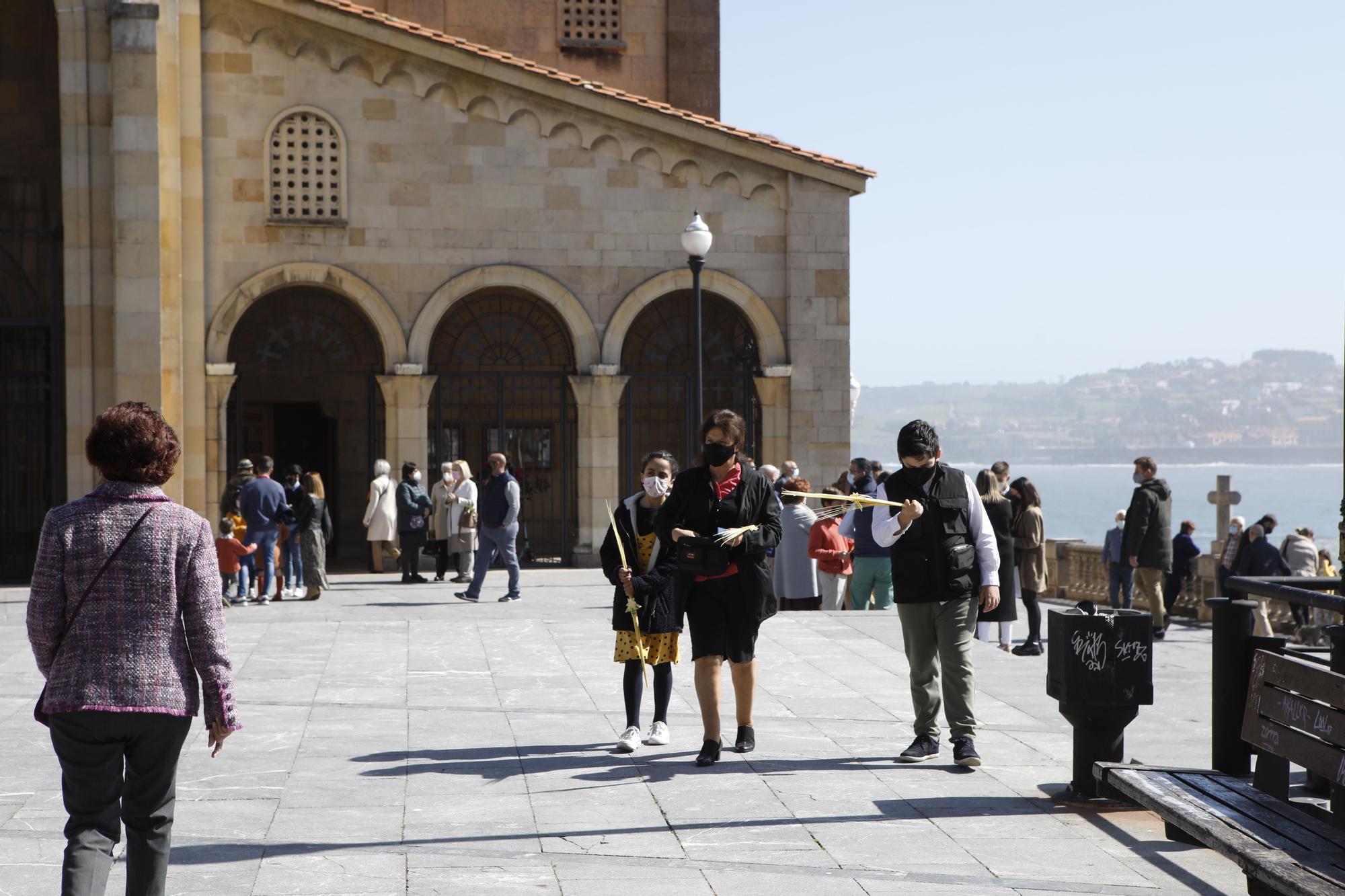 Día de Ramos atípico en toda Asturias