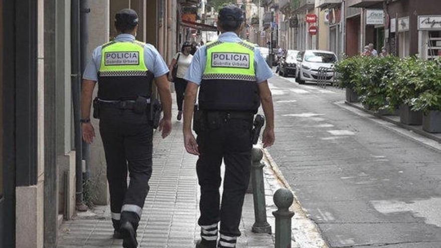 La Guàrdia Urbana de Figueres deté un home que duia 80 grams de cocaïna