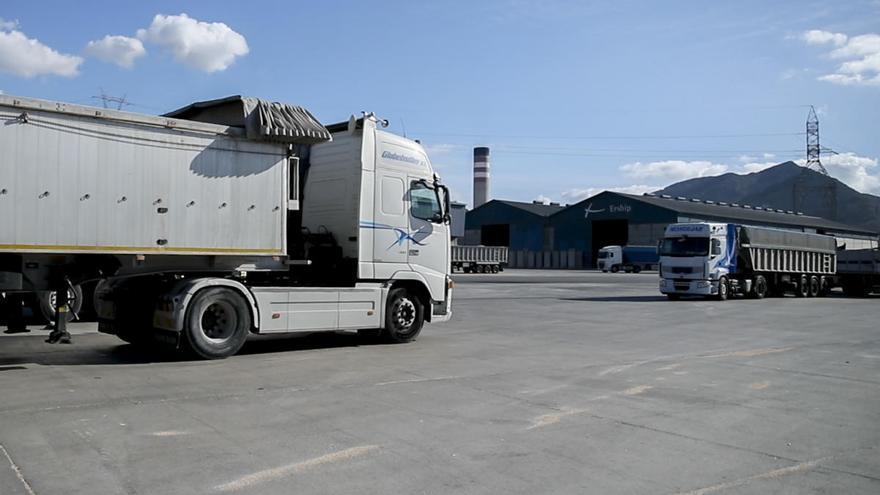 El Puerto adapta el firme del Muelle Isaac Peral al tránsito de camiones