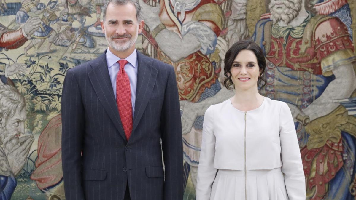El Rey Felipe VI y la presidenta de la Comunidad de Madrid, Isabel Díaz Ayuso.