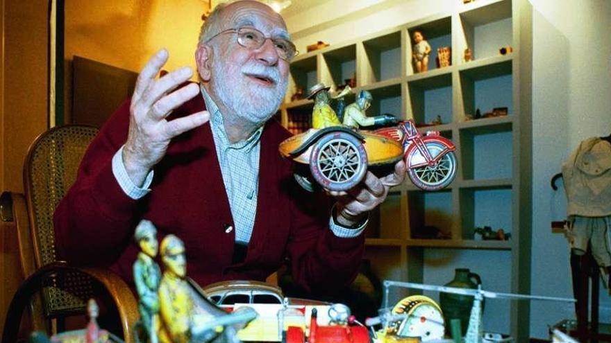 El Evaristo Valle expone sus esculturas de Rubio Camín, Christa Beissel y Amador Rodríguez
