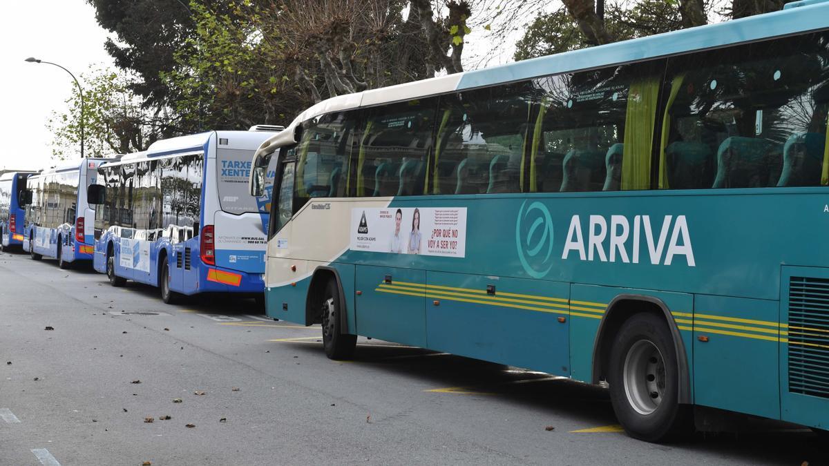 Autobuses metropolitanos en Entrejardines.