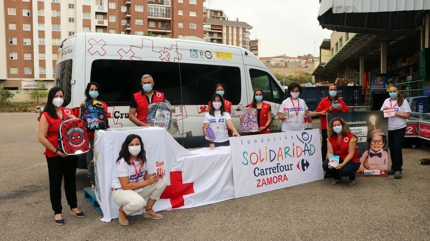 Fundación Solidaridad Carrefour entrega a Cruz Roja Zamora más de 1.300 euros en material escolar
