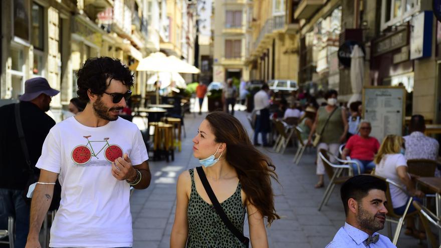 Primer día sin mascarillas obligatorias al aire libre en la Región