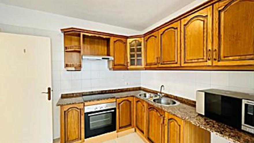 127.000 € Venta de dúplex en San Bartolome, 3 habitaciones, 2 baños...